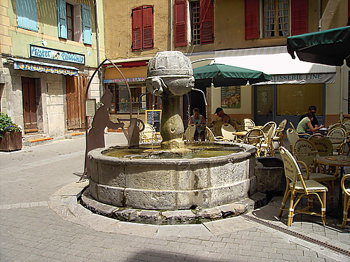 castellane-france.jpg